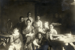 Lásló Moholy Nagy avec ses étudiants au Bauhaus, Weimar, 1924