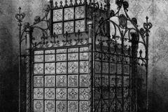 Gothic Style Metal Stove, 1851, John Hardman & Co (attributed), exposée à La Grande Exposition de Londres.