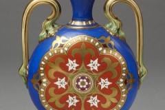 Vase à deux anses en porcelaine fine de Chine peint et doré,  1850-1860.
